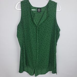 Bobeau green with dots sleeveless top.